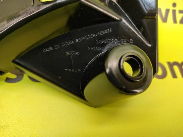 Крепление (ракушка) переднего бампера слева Tesla Model X2