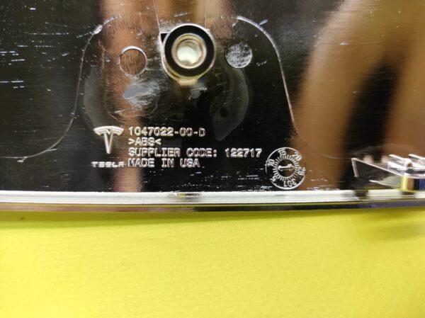 Накладка V-образная хромированная переднего бампера Tesla Model X